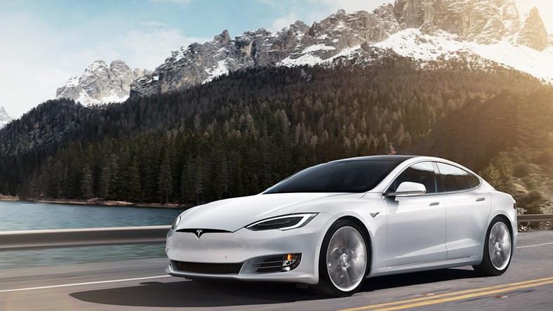 Tesla, Çerçevesiz Holografik Ekran Teknolojisi Geliştiriyor
