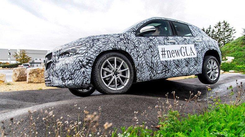 Yeni Mercedes GLA'nın İç Tasarımı İlk Kez Görüntülendi
