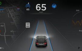 Tesla Autopilot'ta Bir Garip Hata: Dolunayı Trafik Işığı Sandı!