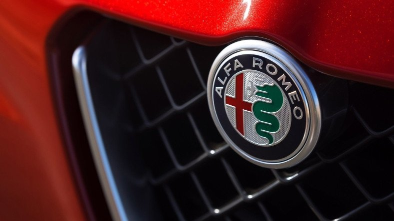 Gelecek Alfa Romeolar Olabildiğince Az Ekrana Sahip Olacak
